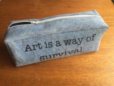 Cartuchera o estuche de útiles escolares, estampada en vinilo Textil