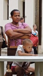 Regards croisés à Baracoa.