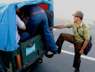 Santiago, luchar la guagua 2012