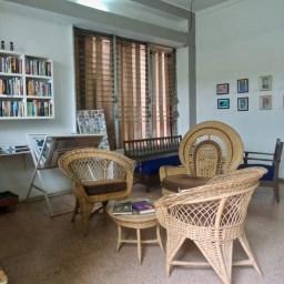 Salon de lecture de Cuba Libro. Il y a aussi des hamacs dans le patio.