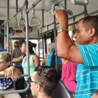 Avancez vers le fond : l'autobus à La Havane…