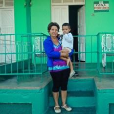 Santy et son petit fils à Viñales en 2014.