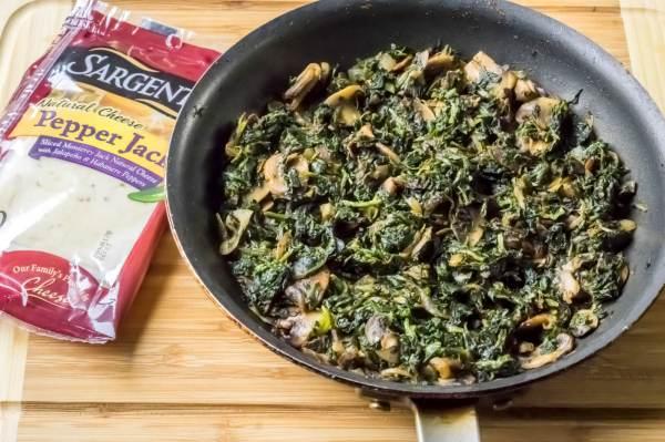 mushroom_spinach_stuffed_chicken_breast_sargento_steps_1