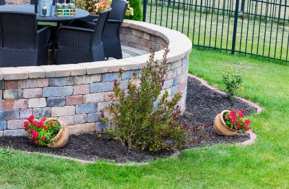 curved retaining walls for patio