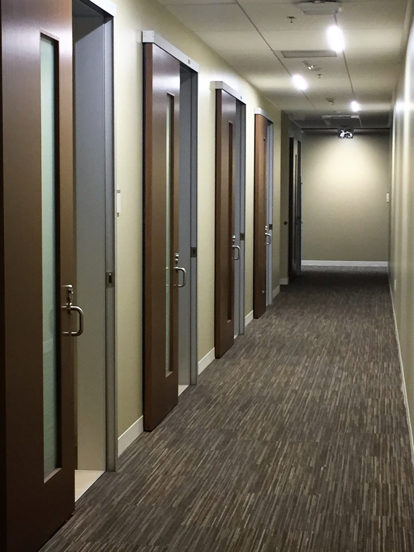 healthcare-hospitality-sliding-door-system-colorado-springs_Serenity Sliding Doors (5)