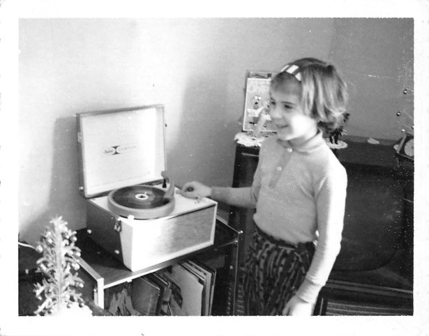 girl-record-player
