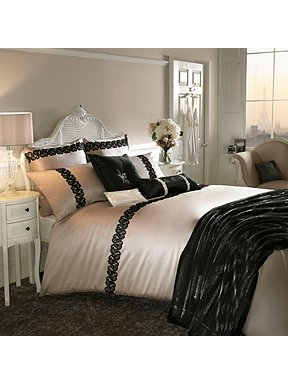 Kylie Minogue lace bedding set