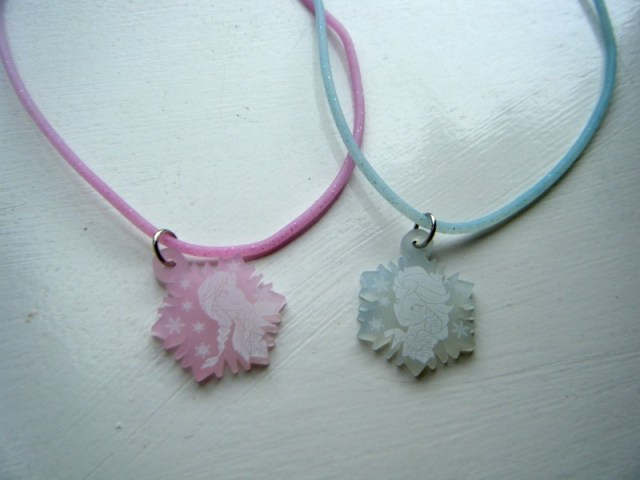 colour change frozen necklaces