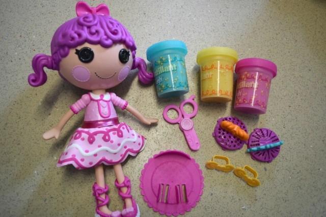 lalaloopsy-glitter-hair-dough-3