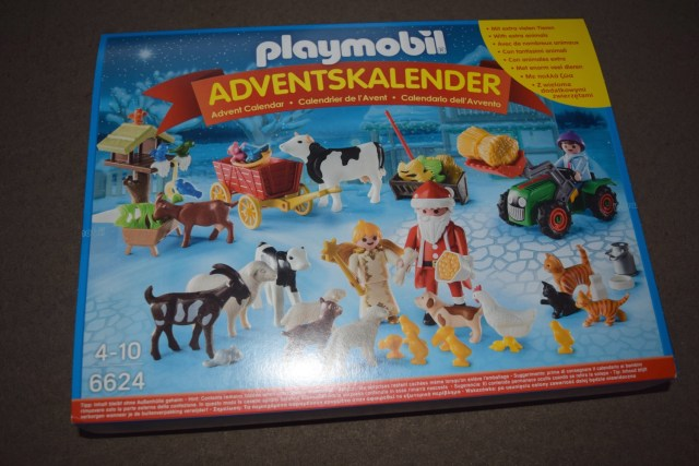 playmobil-christmas-on-the-farm-advent-1