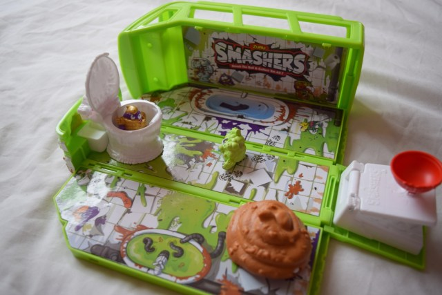 Smashers Series 2 Gross Sludge Bus Review