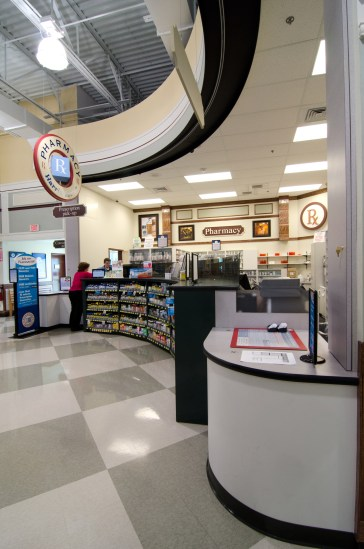 southeastern-products-harris-teeter-pharmacy-casework-2