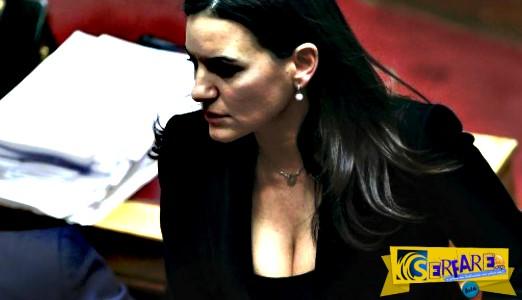Όλγα Κεφαλογιάννη: Μαυρισμένη και ΤΟΥΜΠΑΝΟ όσο δεν πάει στη Μύκονο!