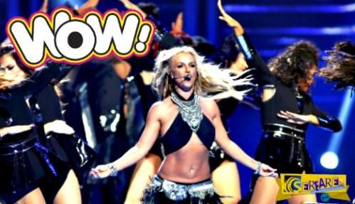 Έφυγε το σoυτιέv της Britney Spears πάνω στην σκηνή και της το κούμπωσαν οι Χορευτές!