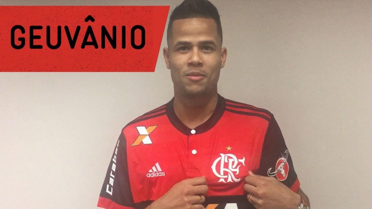 Flamengo anuncia Geuvânio com direito a recado para a torcida
