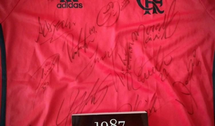 """Sorteio de uma camisa oficial do Fla e do livro """"1987 – A história  definitiva"""" 45fe1bcad6c55"""