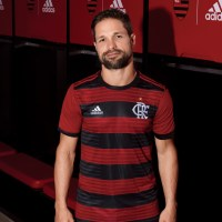 Novo uniforme I do Flamengo traz novo símbolo do clube. Estreia do Manto é na Libertadores