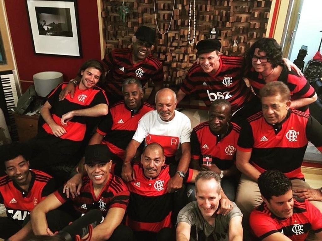 """Ivo Meirelles divulga gravação de """"Em dezembro de 81"""" com ídolos da era de ouro do Flamengo"""