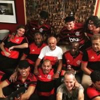 """Ivo Meirelles divulga clipe da gravação de """"Em dezembro de 81"""" com ídolos da era de ouro do Flamengo"""