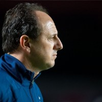 Zaga não ter sido vazada contra o Goiás é um ponto a favor de Rogério Ceni