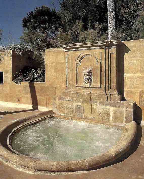 Fountain or spa