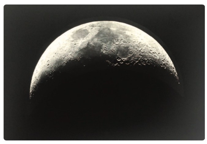 4-FRA-FDQ QUENISSET Moon