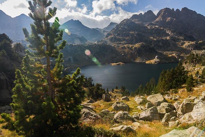 Estany Major y refugio de Colomèrs, Parque Nacional de Aigüestortes i Estany de Sant Maurici, Pirineos
