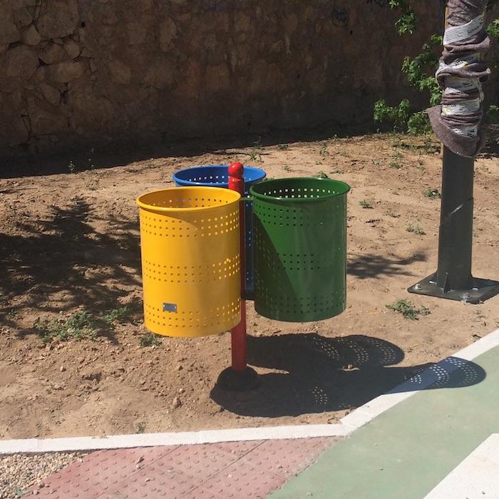 Papeleras de reciclaje urbano