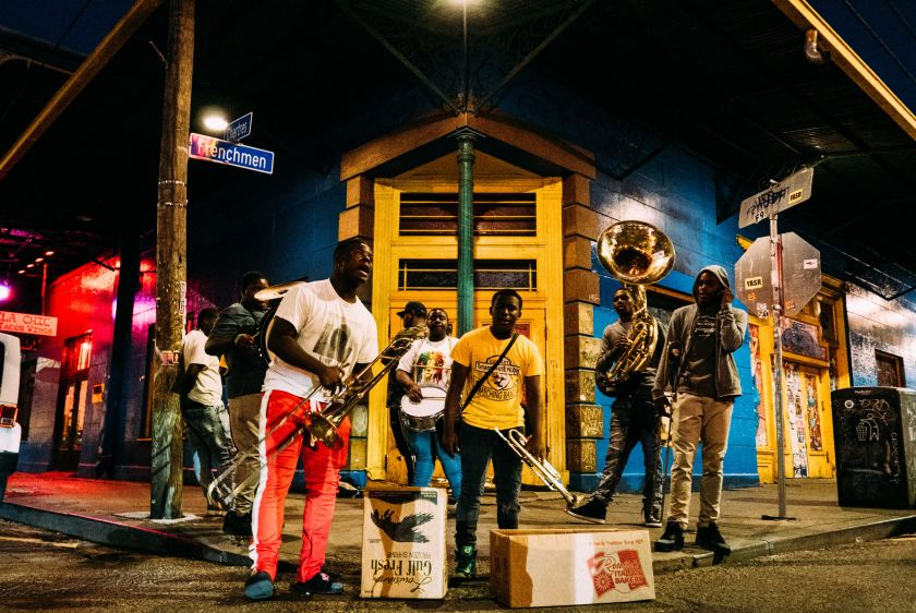 Jazz Band on the Streets. Photo by Robson Hatsukami Morgan on Unsplash