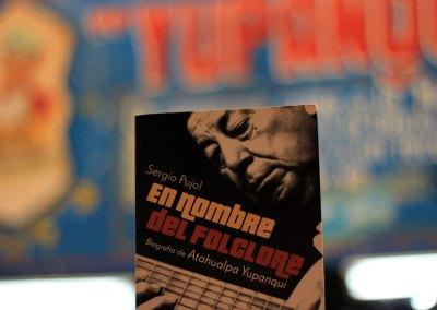 En nombre del folklore. Biografía de Atahualpa Yupanqui (2008)