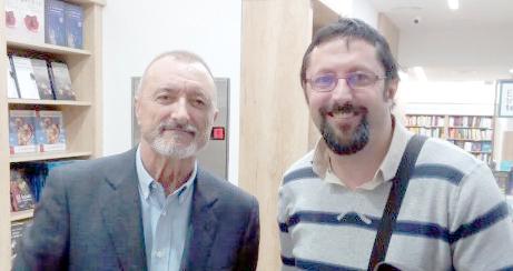 Arturo Pérez-Reverte y Sergio Reyes Puerta