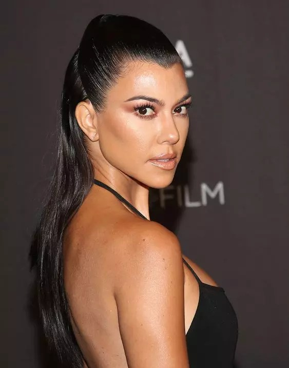 Kourtney Kardashian Height, weight, Age and Full Body ...