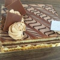 3 gâteaux d'anniversaire à moins de 25 000 FCFA sur lesquels craquer.