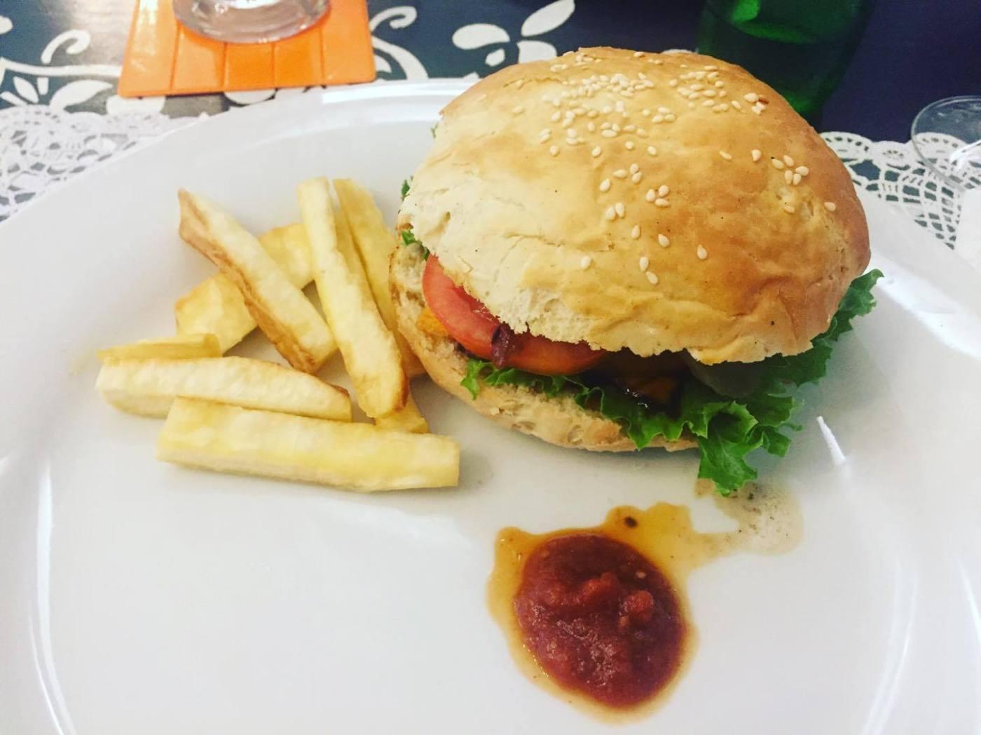 À la découverte du menu Afro-Sain de Oasis restaurant, serialfoodie, blog, blogger, civ, ci225, team 225
