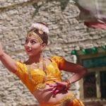 साम्राज्ञीको बोल्ड अवतार चल्यो - Samragyee RL Shah sexy Avatar in A Mero Hajur 2