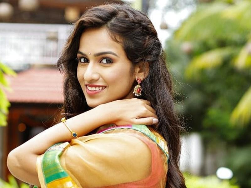 Shivani Baokar Marathi Actress Biography, Wikipedia, Birth Date, Age, Family, Education, Height, Marriage, New Serial, Images, Movie