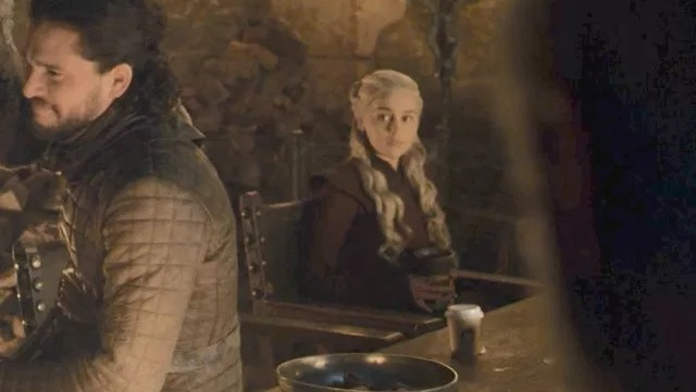 game-of-thrones-starbucks-coffee-cup