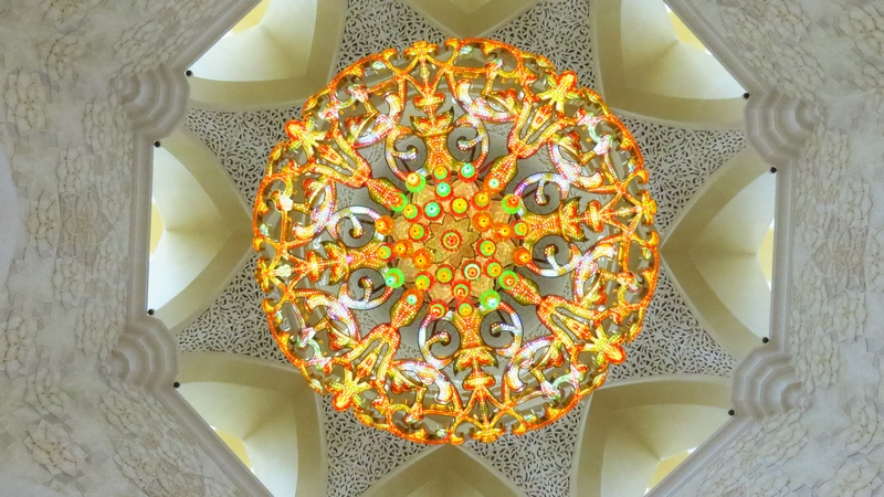 serial-travelers-abu-dhabi-mosquee-Cheikh-Zayed-lustre(2)