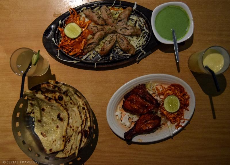 serial-travelers-malaisie-kuala-lumpur-india-food-tandoori-tikka-masala-lassi