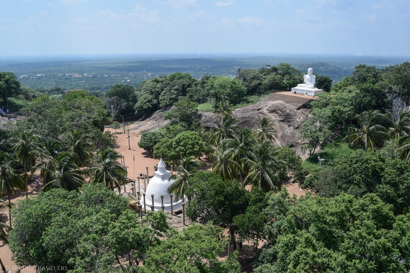 serial-travelers-sri-lanka-minhintale-view-roc