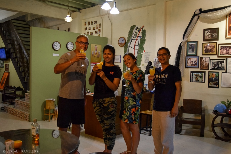 serial-travelers-thailand-phang-nga-guesthouse-homestay-thaweesuk-team-staff