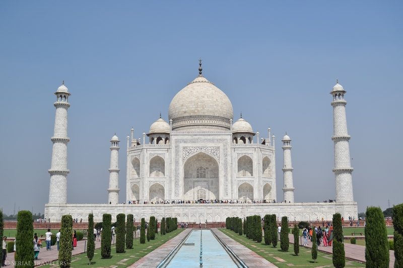 serial-travelers-india-agra-taj-mahal-bassin