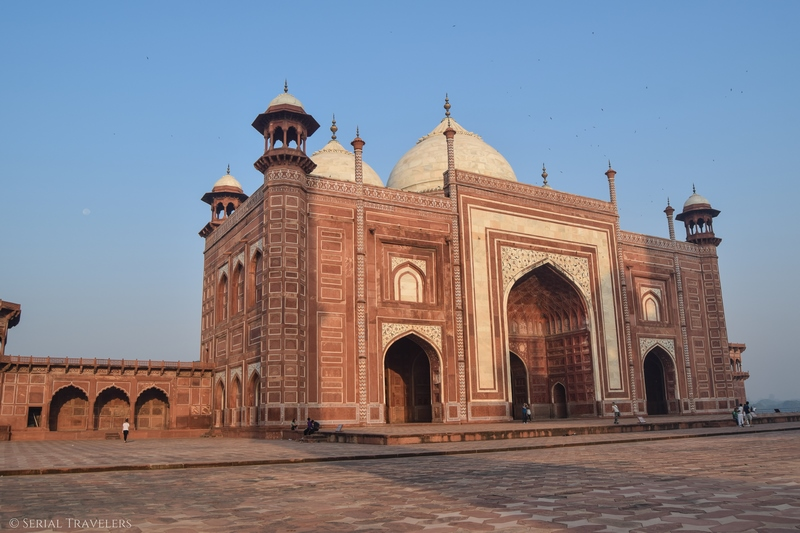 serial-travelers-india-agra-taj-mahal-sunrise-mosquee
