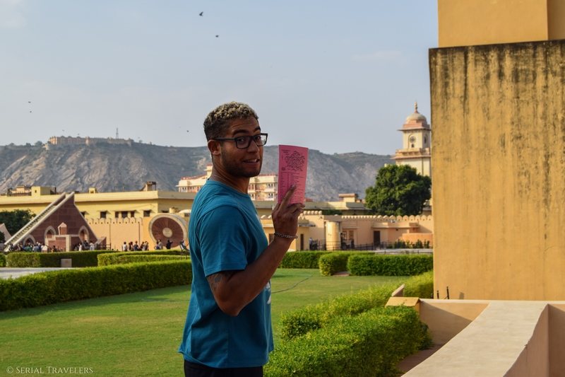 serial-travelers-india-jaipur-pink-city-observatoire-jantar-mantar-observatory-sun-cadran-solaire-astrologie-guide-pandya-niwas