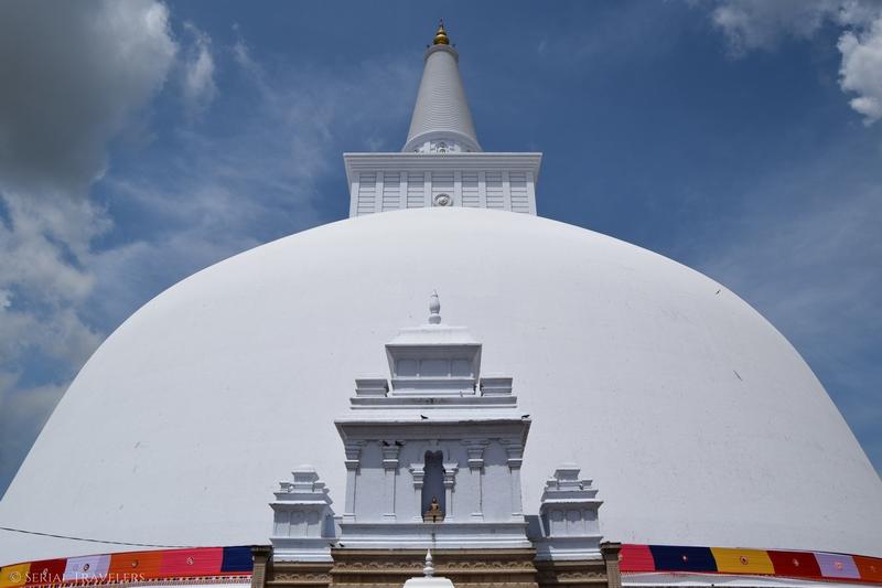 Balade en vélo dans l'ancienne cité sacrée d'Anuradhapura