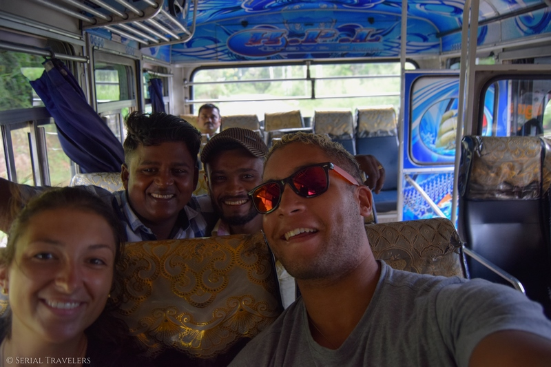 serial-travelers-sri-lanka-trajet-bus-local-ella-negombo-bus-smile