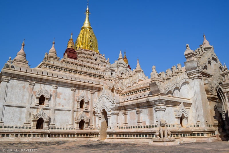 serial-travelers-myanmar-bagan-ananda-temple3