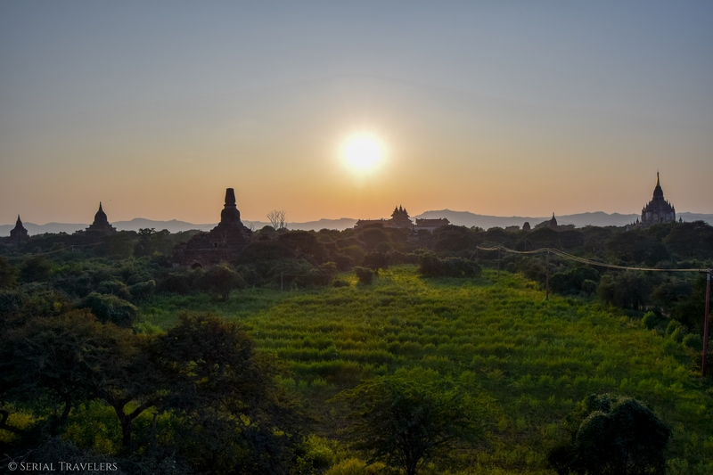 serial-travelers-myanmar-bagan-maha-zedi-sunset1