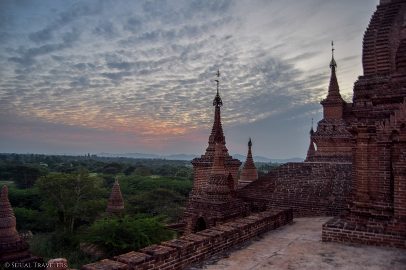 serial-travelers-myanmar-bagan-pagoda761-sunset46