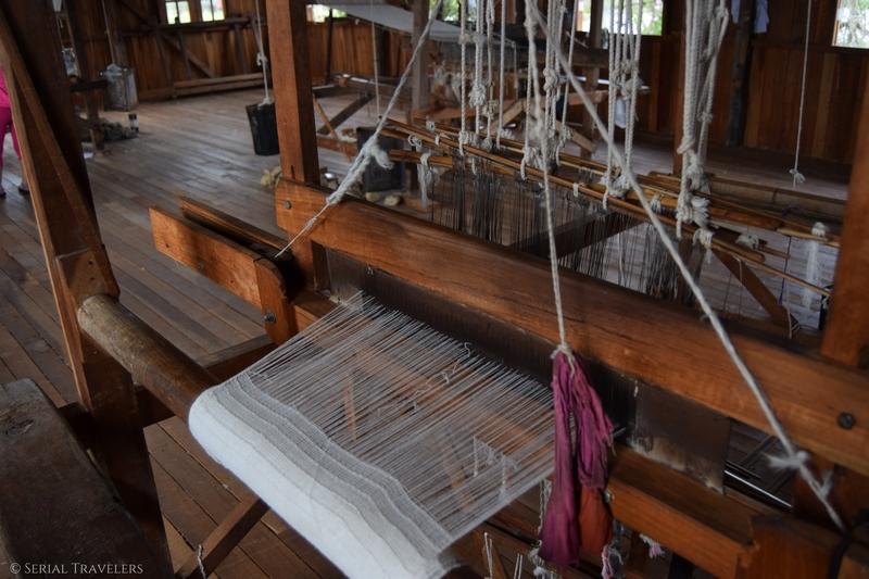 serial-travelers-myanmar-inle-lake-silk&lotus-tissues-factory6